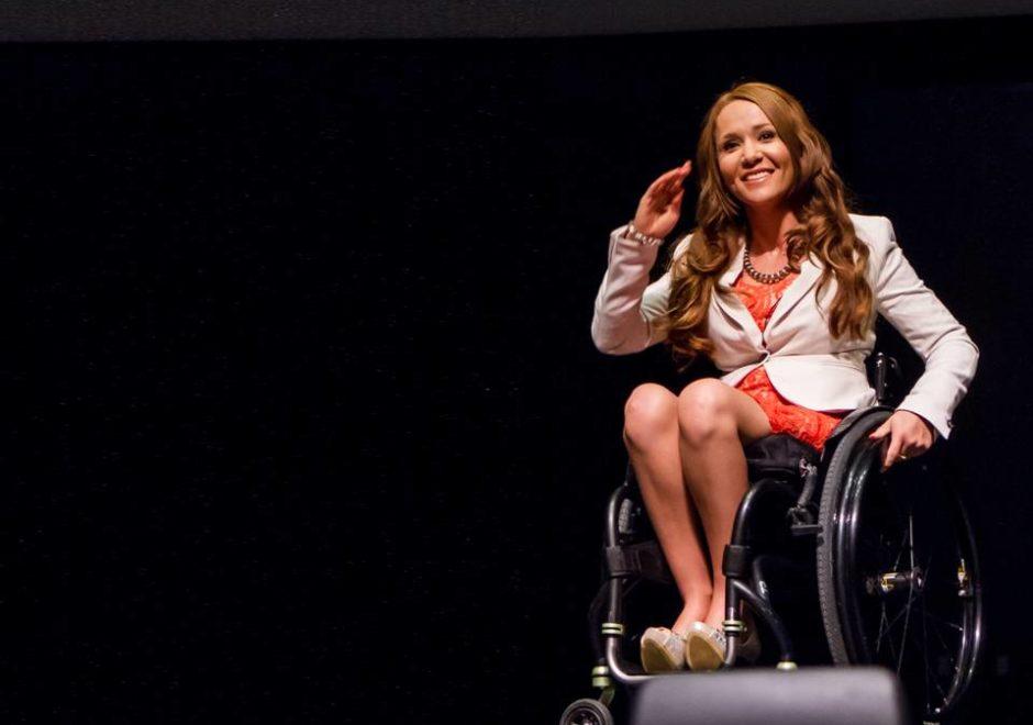 Tamara Mena speaker, host, conferencista, motivación