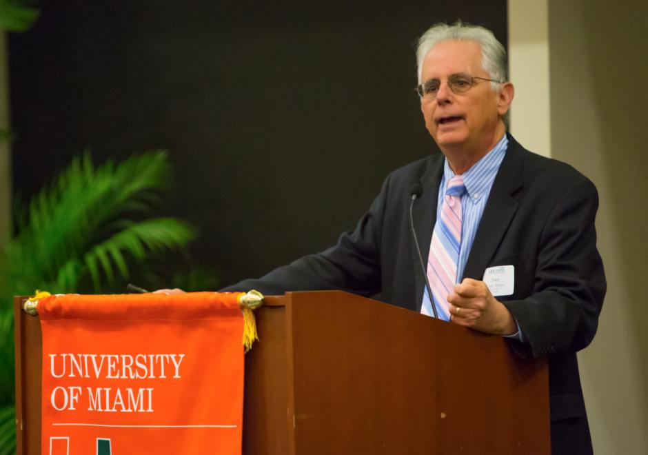 SAM DALEY-HARRIS, conferencias, microcréditos