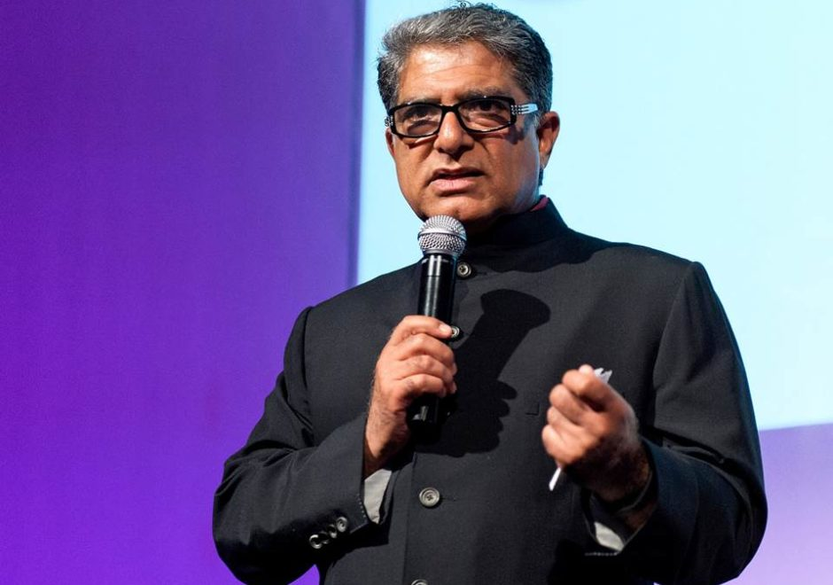 Deepak Chopra speaker, happiness, motivación