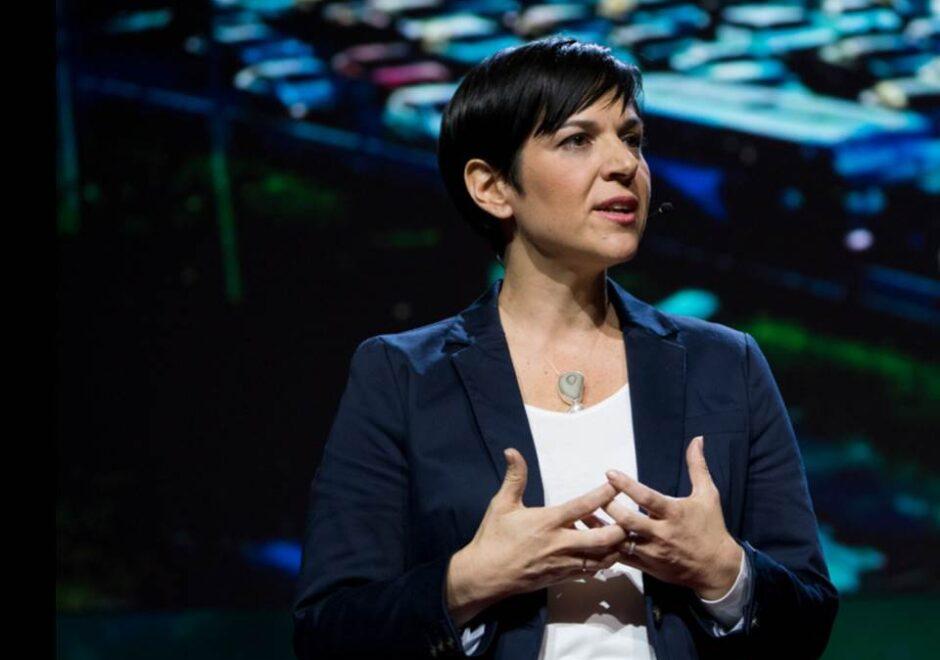 Mónica Araya speaker, conferencias, TED, sostenibilidad
