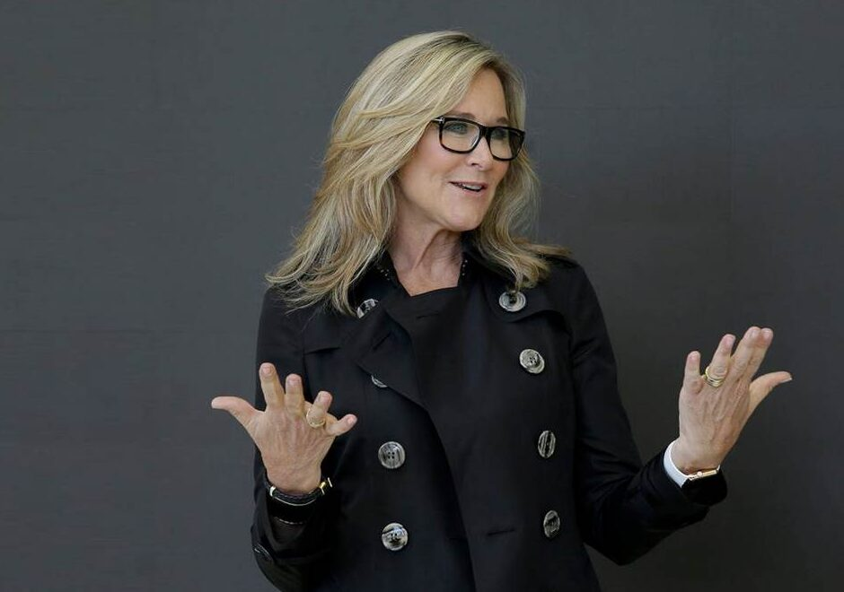 Angela Ahrendts speaker, apple, burberry, wpp