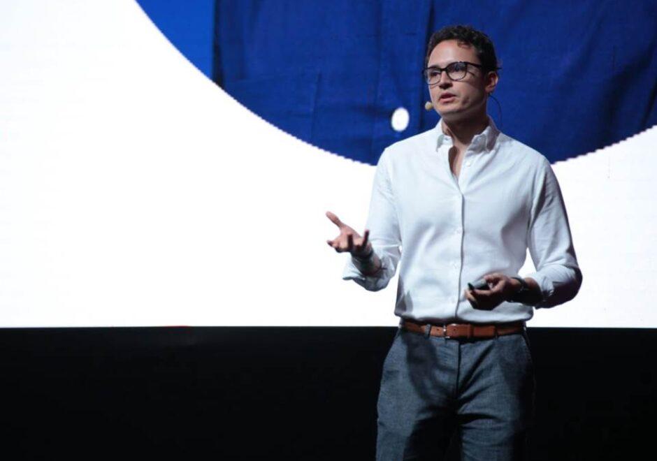 Borja Castelar speaker, conferencias, linkedin, persuasión